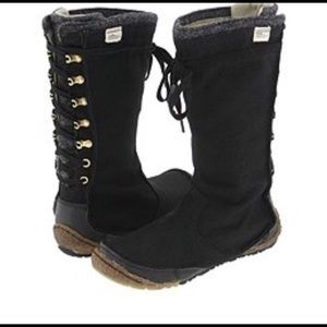Simple Hold  Toetally Boots size 7, Black/beige